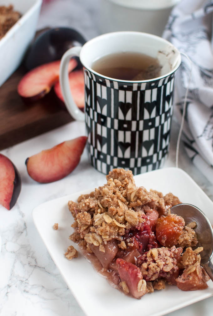 delicious vegan fruit crisp